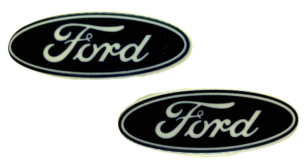 Ford Oval Logo Salt & Pepper Shakers